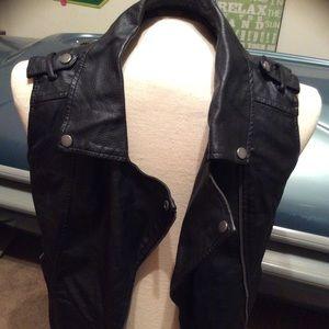 Baguette size small vest